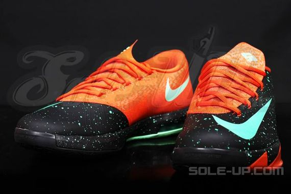 nike-kd-vi-glow-in-the-dark_07