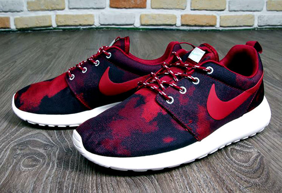 noble red-roshe run-print-wmns-nike