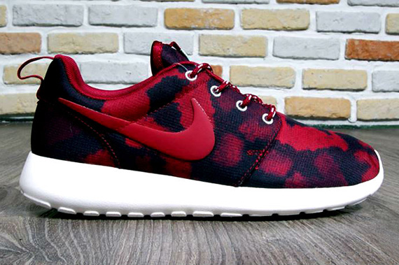 noble red-roshe run-print-wmns-nike_02