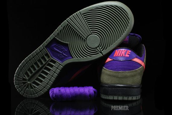 olive-atomic red-electric purple-dunk low pro-nike sb_02