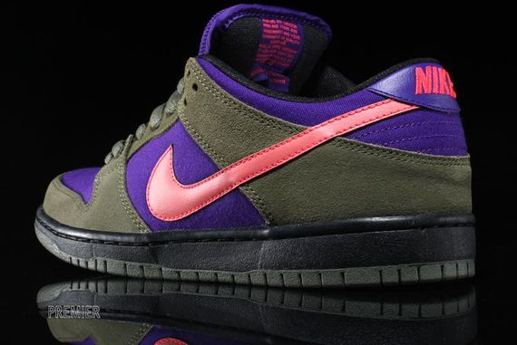 olive-atomic red-electric purple-dunk low pro-nike sb_04