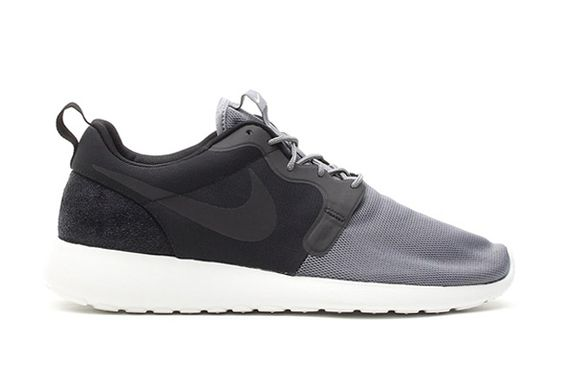 vent-black-cool grey-roshe run-nike