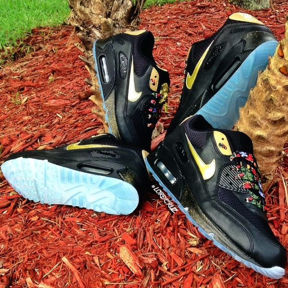 watch-the-throne-air-max-90_03_result