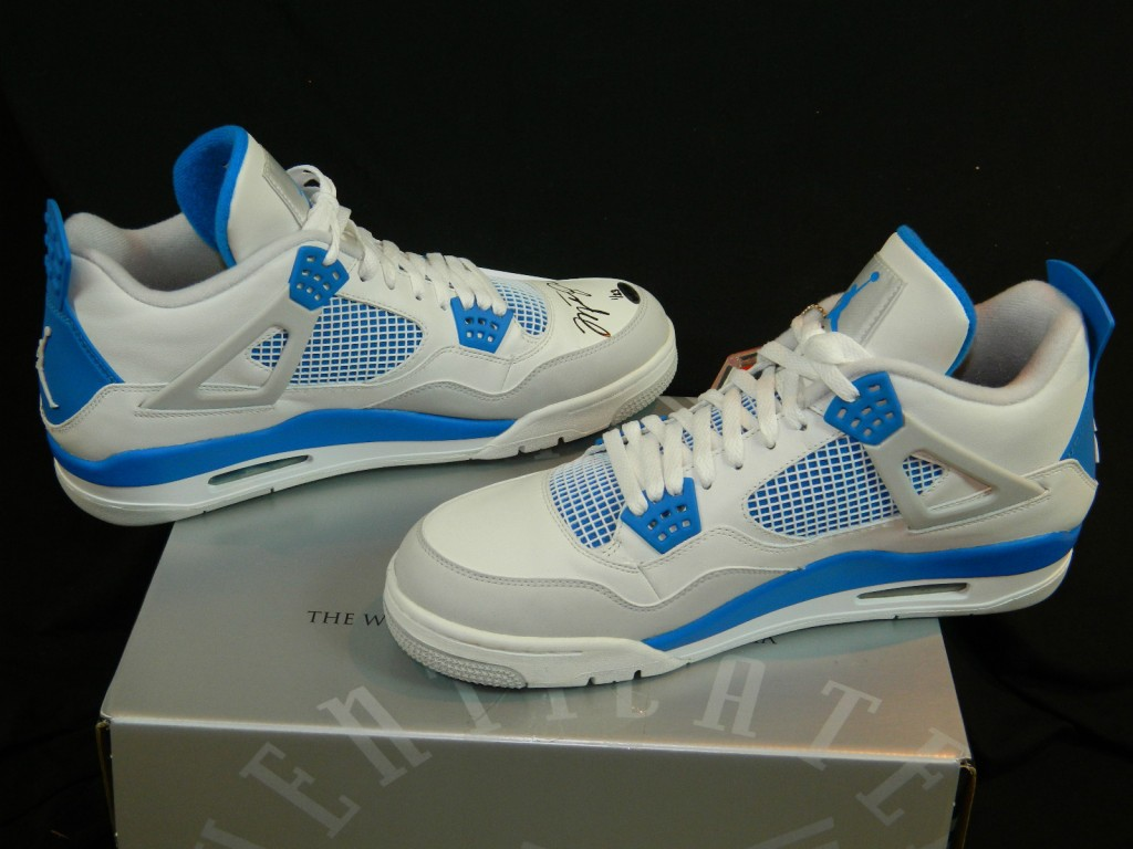 nike-jordan-4-military-blue-mj-signed