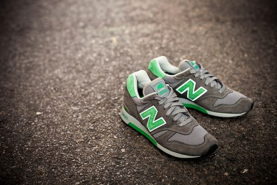 NB1300-American-Rebel-05