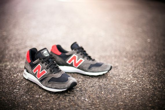 NB1300-American-Rebel-06