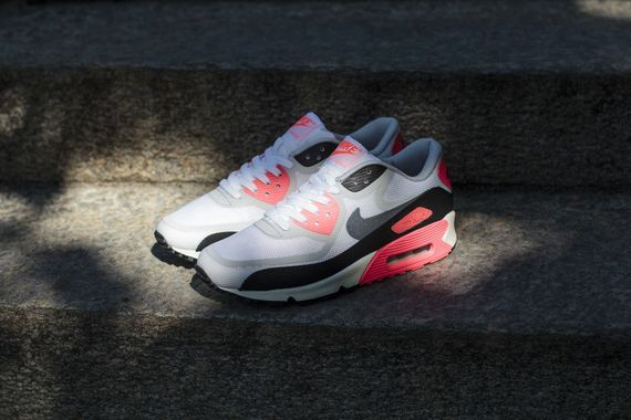 Nike-Air-Max-90-infrared-tape-pack_04_result_result