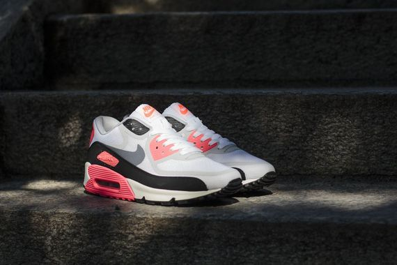 Nike-Air-Max-90-infrared-tape-pack_05_result_result