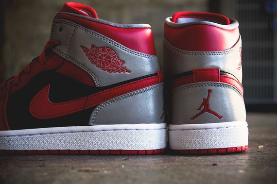 air jordan-1 mid-fire red_02