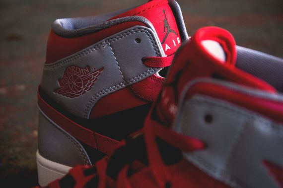 air jordan-1 mid-fire red_04