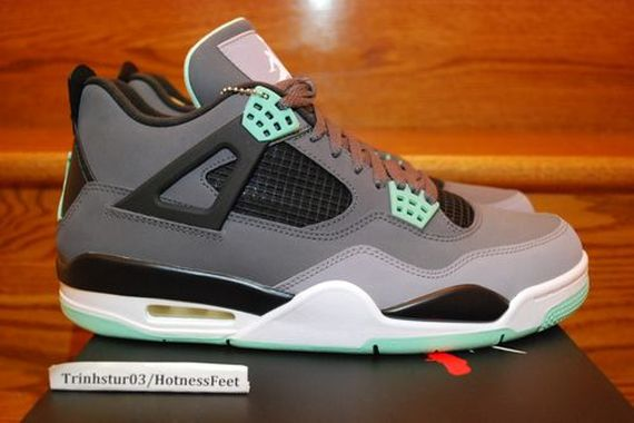 air-jordan-iv-green-glow_02_result