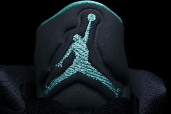 jordan-son of mars low-green glow_02