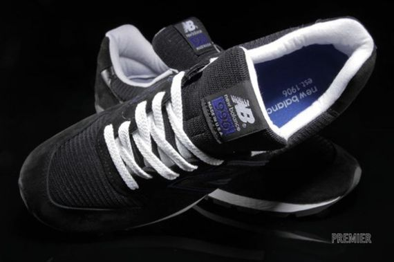 new balance-996-black-blue