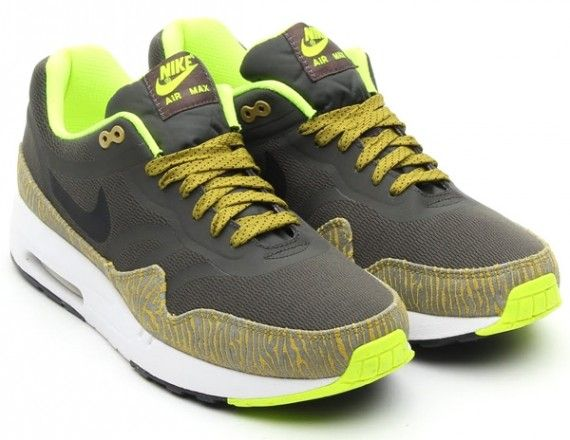 nike-air max 1-tape-newsprint-black-parachute gold-summit white_03