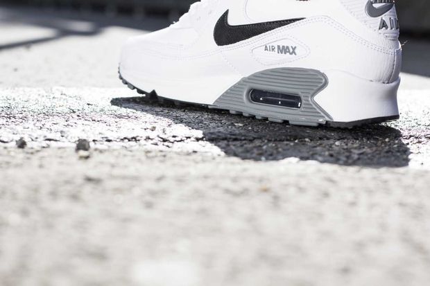 nike-air-max-90-cool-grey_04_result