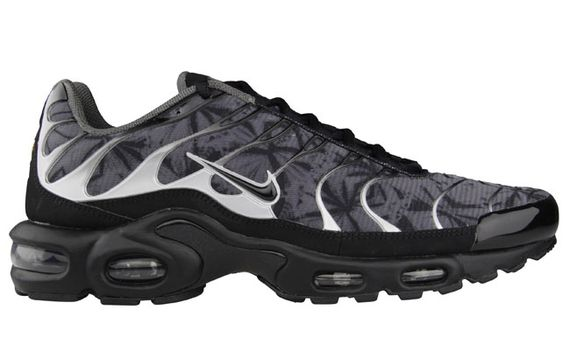 nike-air max plus (tuned 1)-black-dark grey-metallic silver_04