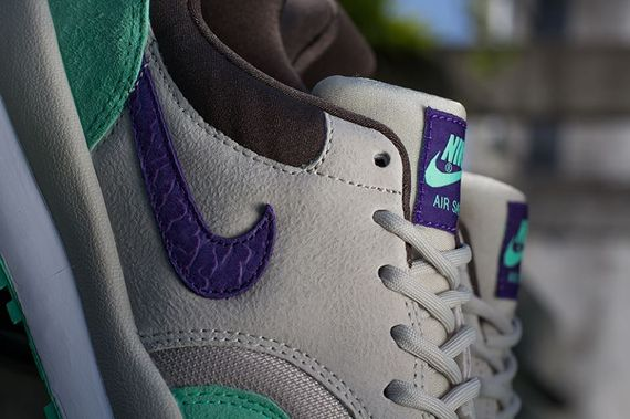 nike-air safari-purple cement
