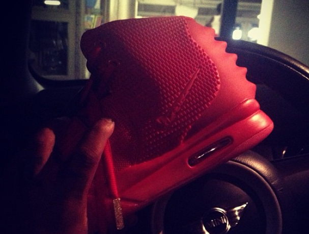 nike-air-yeezy-2-red-october-2