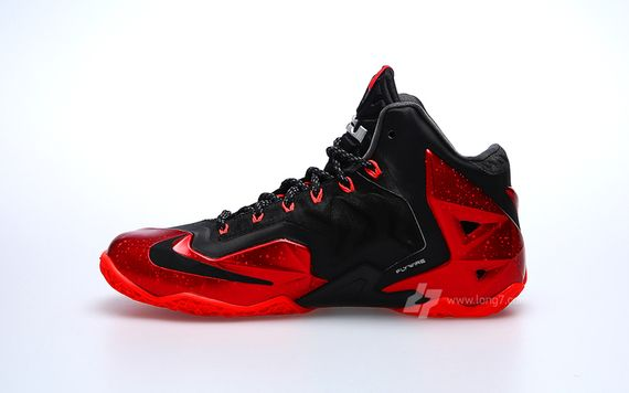 nike-lebron-11-miami-heat_03_result