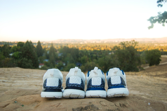 nike-roshe-run-true-blue-white-cement-customs-4