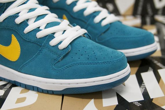 nike sb-dunk hi-tropical teal-university gold_03
