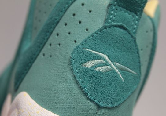 reebok-kamikaze-mid-solecollector-teal_02_result