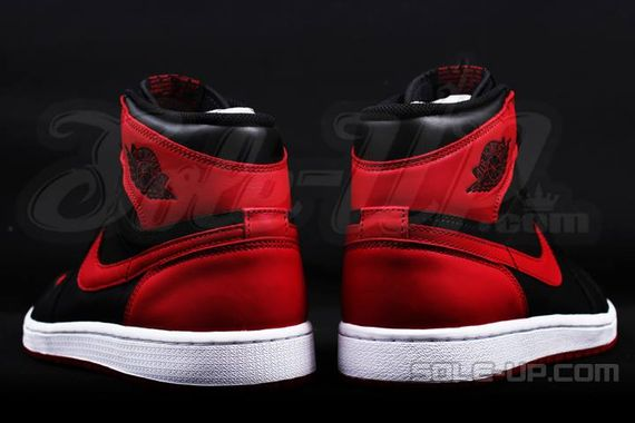 AIR JORDAN 1 HI OG RETRO CHICAGO BRED_02