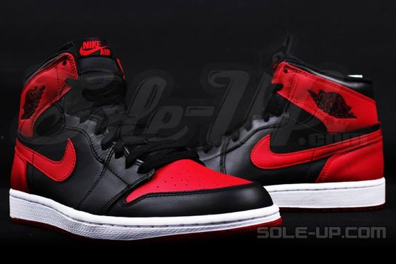 AIR JORDAN 1 HI OG RETRO CHICAGO BRED_03