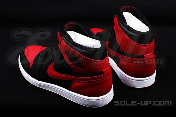 AIR JORDAN 1 HI OG RETRO CHICAGO BRED_04
