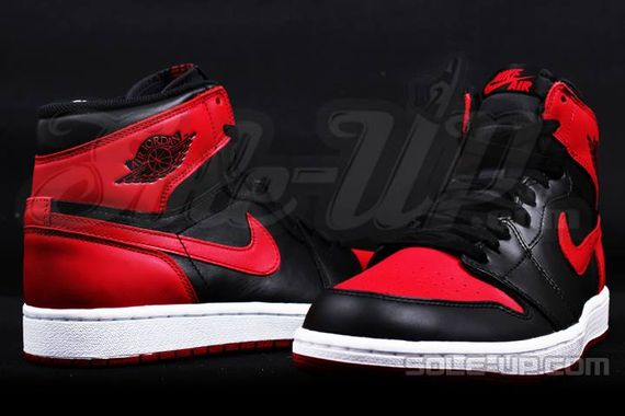 AIR JORDAN 1 HI OG RETRO CHICAGO BRED_05