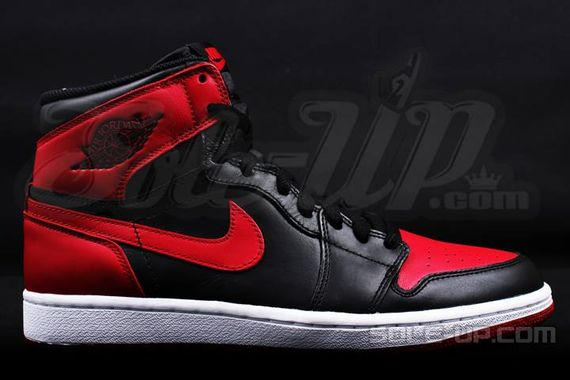 AIR JORDAN 1 HI OG RETRO CHICAGO BRED_06