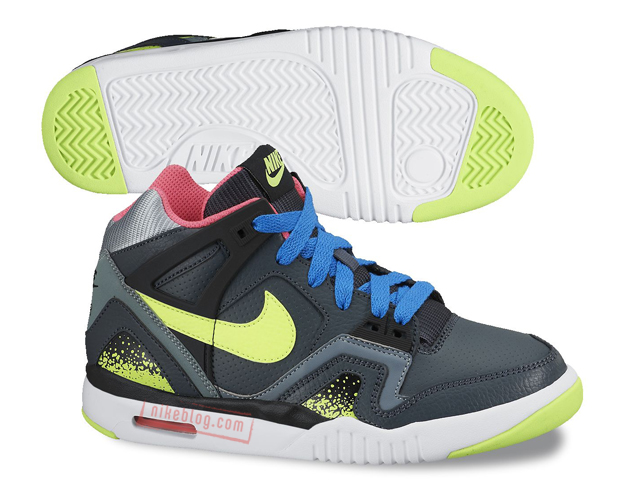 Nike-Air-Tech-Challenge-II-2