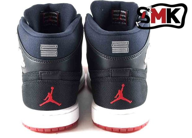 air-jordan-1-bred-available-early_03