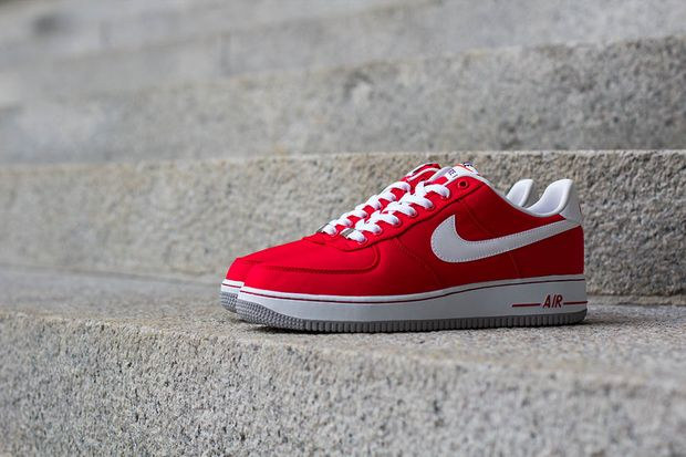 nike-air-force-1-red-white_02