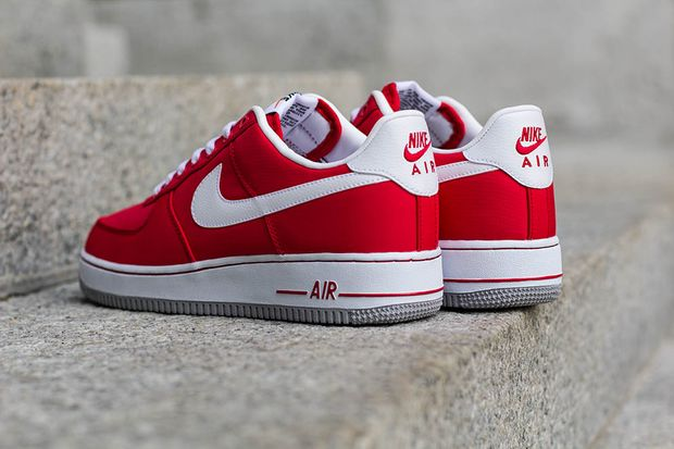 nike-air-force-1-red-white_03