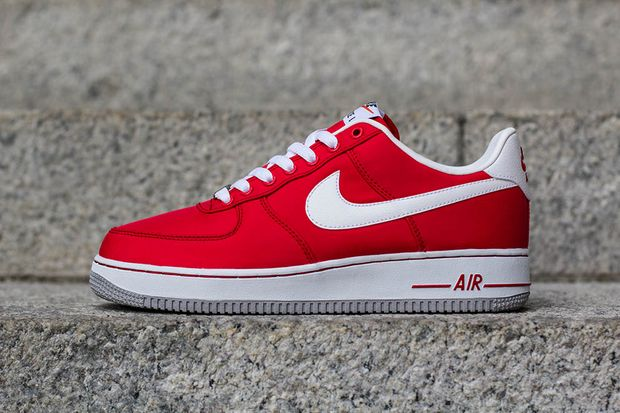 nike-air-force-1-red-white_04