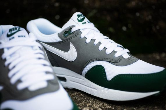 nike-air max 1-essential-gorge green_03
