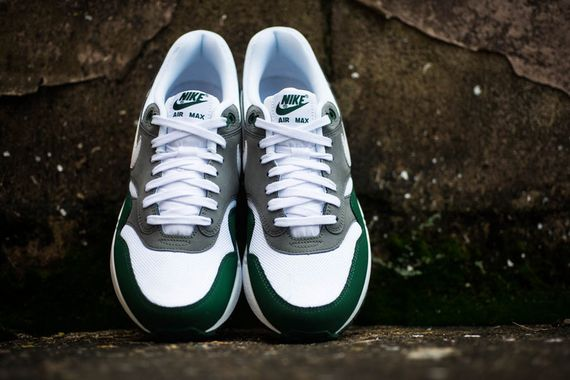 nike-air max 1-essential-gorge green_05