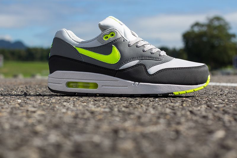 nike-air-max-1-volt-cool-grey