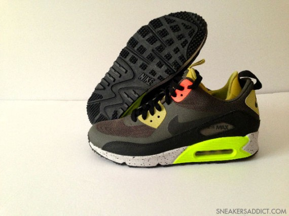 nike-air-max-90-mid-no-sew-black-olive-volt-1-570x427