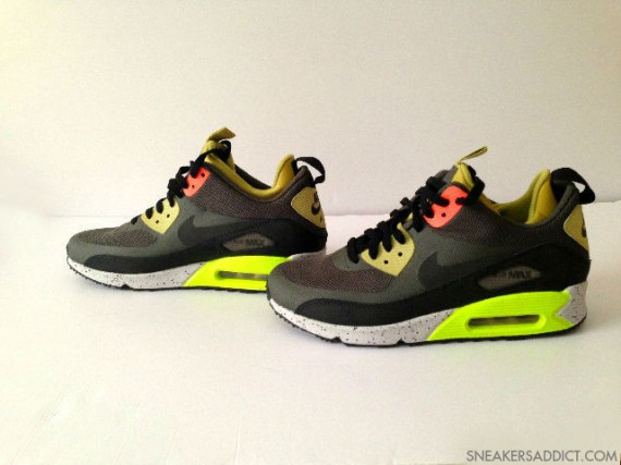 nike-air-max-90-mid-no-sew-black-olive-volt-2-570x427