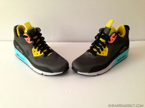 nike-air-max-90-mid-no-sew-black-olive-yellow-blue-3-570x427