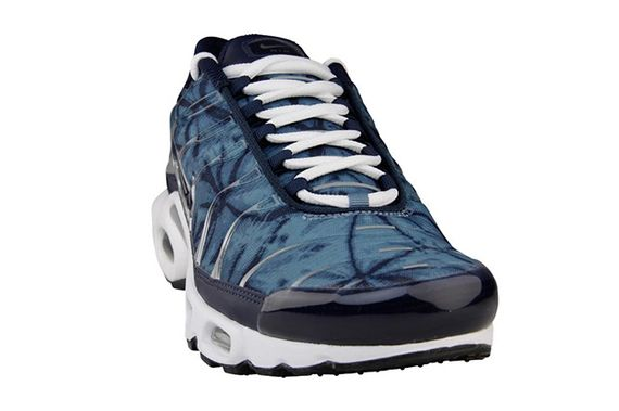 nike-air max plus-metallic navy camo_02