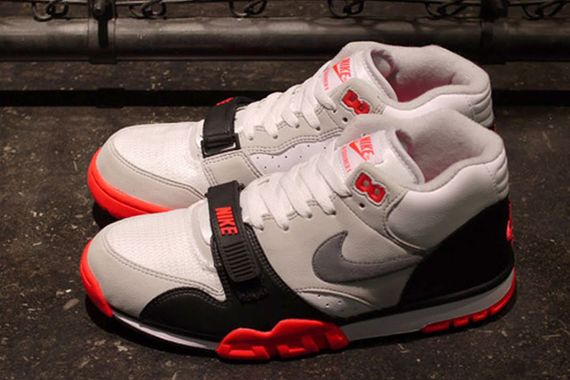 nike-air trainer 1-infrared