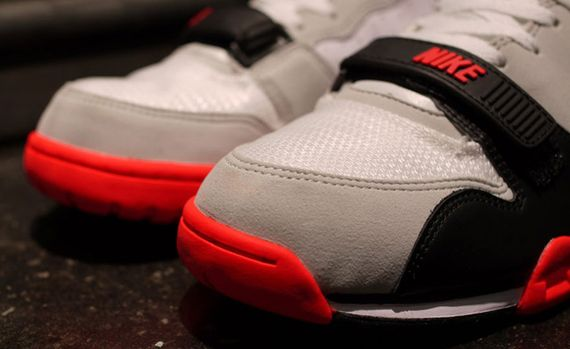 nike-air trainer 1-infrared_02