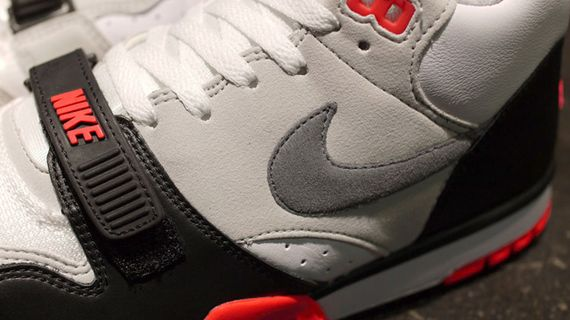 nike-air trainer 1-infrared_03