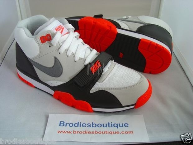nike-air-trainer-1-infrared_04