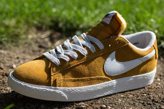 nike-blazer low-gold suede_02
