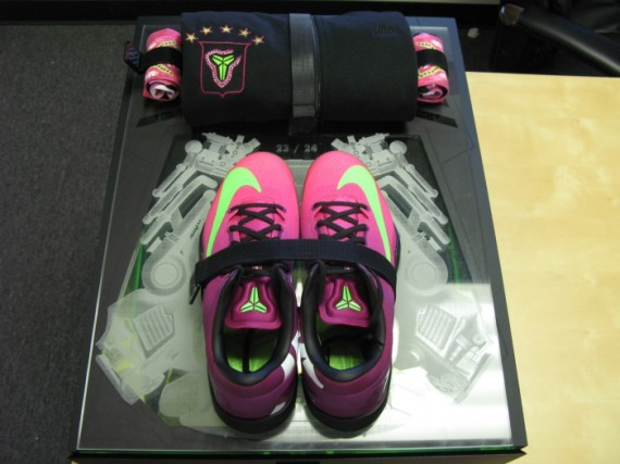 nike-kobe-8-mambacurial-speed-pack-on-ebay-10-570x427