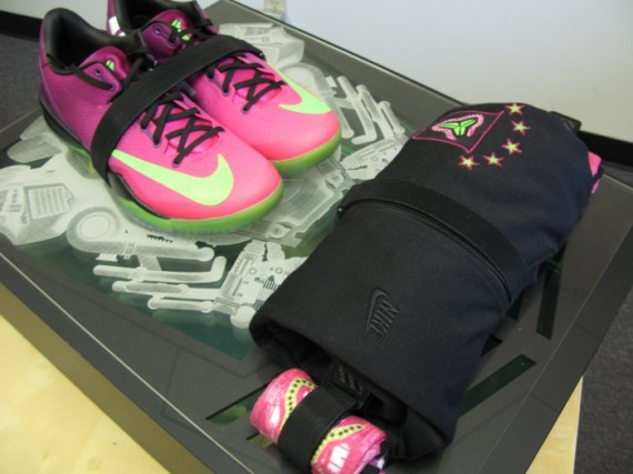 nike-kobe-8-mambacurial-speed-pack-on-ebay-11-570x427